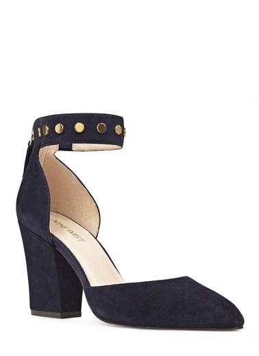 Zımba Bant Detaylı Kalın Topuklu Ayakkabı-Nine West